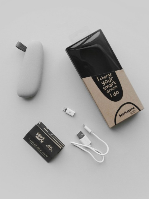 Sparkstones-Portable-Charger-Small-ZUMTC15600020199-hover.jpg