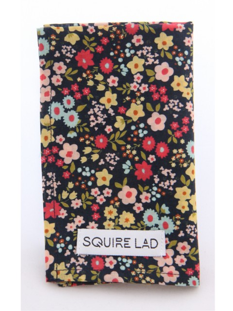 SQUIRE-LAD-THE-COMEDIAN-POCKET-SQUARE-SMAPB162000150-1